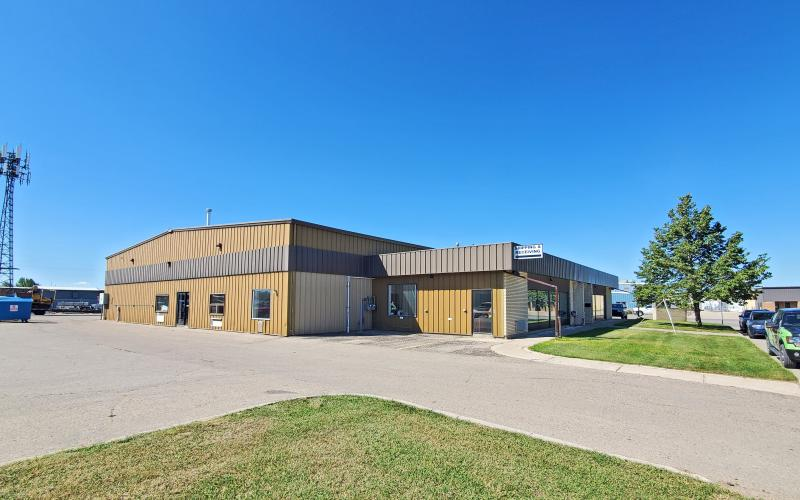 Industrial For Lease 57th St E In 801 57th St E, Saskatoon, SK, 801 57th Street East, Saskatoon, compound, secured, paved, shell space, 3200 SF