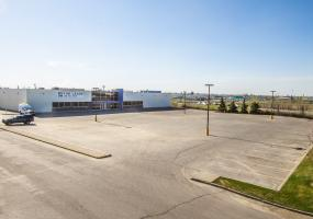 Retail For Lease Idylwyld Dr N In 2802 Idylwyld Dr N, Saskatoon, SK, 2802 Idylwyld Drive North, 29000 SF, industrial, highway 16, highway 12