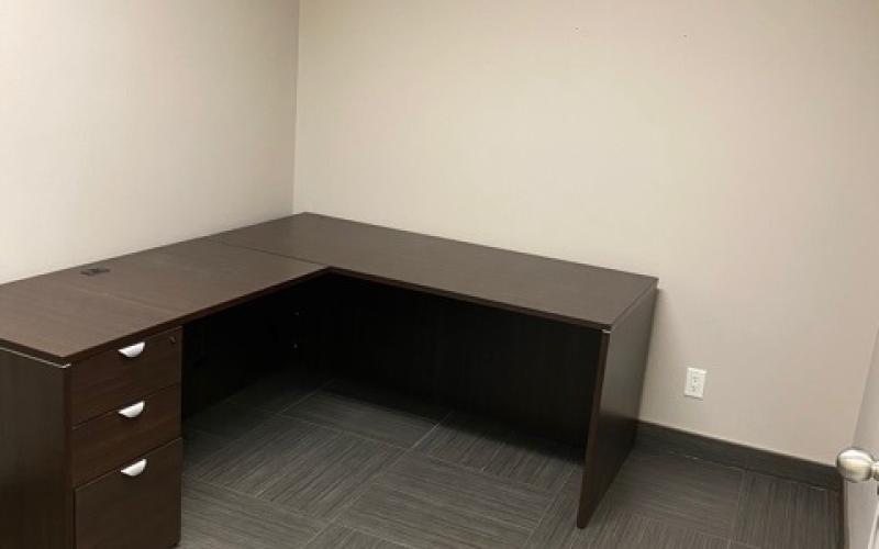 Office for lease, 829 48th St E, Saskatoon SK, 829 48th Street East, 1750 SF, office, for lease