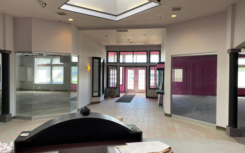 Retail For Lease , Office for Lease, 123 Auditorium Ave in Saskatoon SK, 123 Auditorium Avenue, for lease, 6560 SF, downtown, parking, Cactus Club