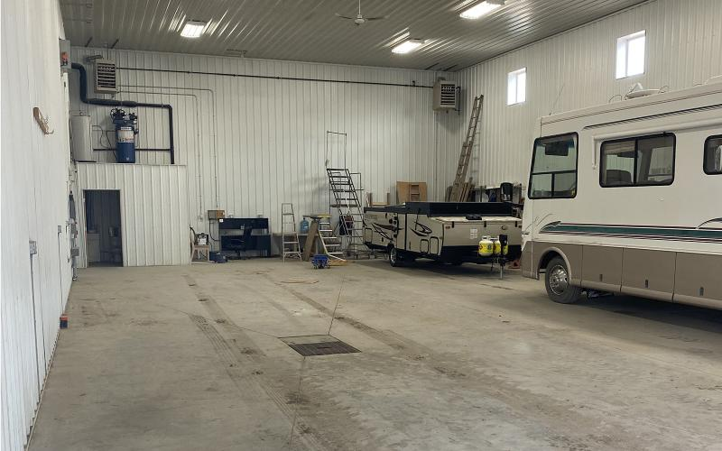 704 9th Ave W Kindersley SK, Industrial, for lease, 9th Avenue West, industrial for lease