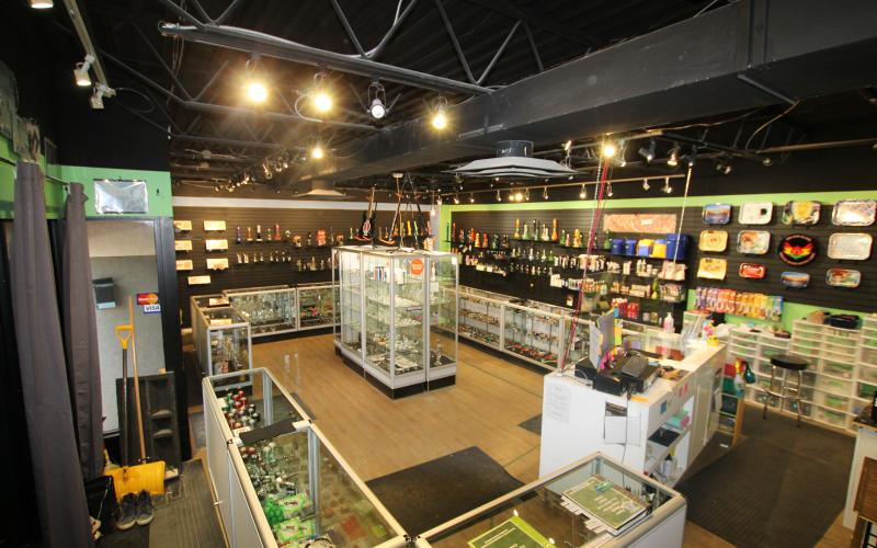 retail business for sale, 626 broadway ave in saskatoon sk, 626 Broadway Avenue, retail, for sale, 1100 SF, business only