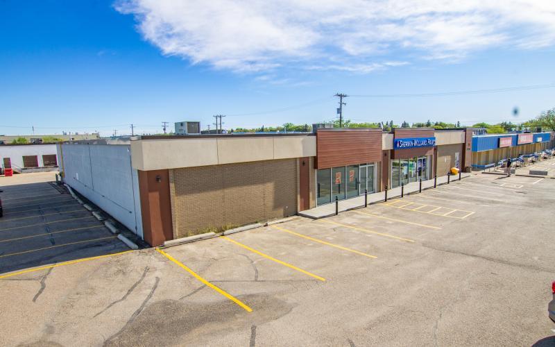 28 33rd St E, Saskatoon, SK, ,Retail,For Lease,33rd St E,1274