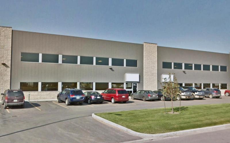 Office For Lease 52nd St E In 620 52nd St E, Saskatoon, SK, 620 52nd Street East, 7550 SF,  clearspan,  compound, fluorescent lighting, office, industrial