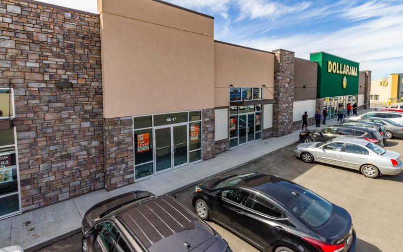 Retail For Lease Confederation Dr In 107 Confederation Dr, Saskatoon, SK, 107 Confederation Drive, Plaza 22, 1565 SF, office, retail
