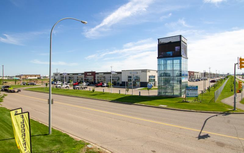 Office For Lease, Millar Ave In 3902-3904 Millar Ave, Saskatoon, SK, 3904 Millar Avenue, Pichler Centre, office, warehouse, retail, marquis drive, Chief Mistawasis Bridge