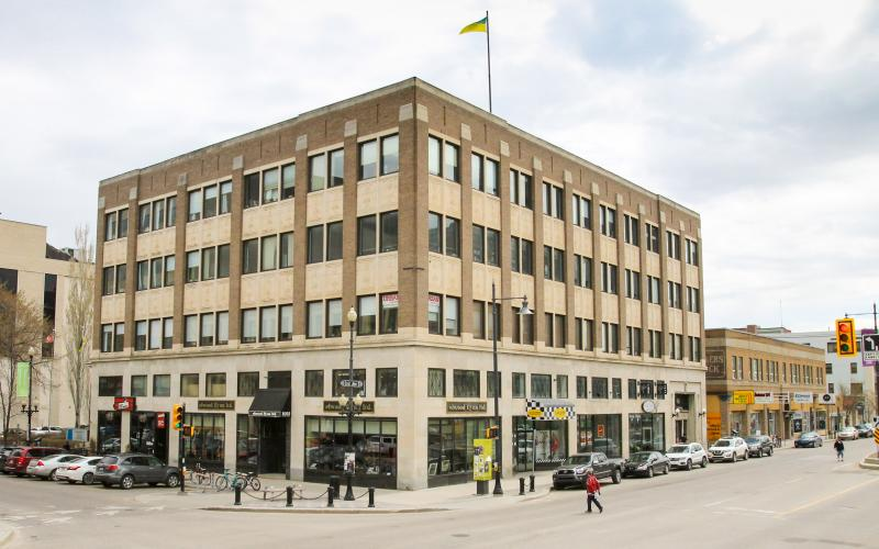 Office For Lease 3rd Ave S In 220 3rd Ave S, Saskatoon, SK, Avenue Building, 993 SF, 220 3rd Avenue South. Avenue Building