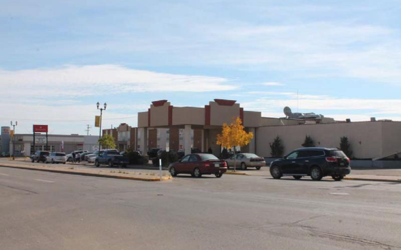 100 Broadway St E, Yorkton, SK, ,Retail,For Sale,Ramada Hotel,Broadway St E,1922, 100 Broadway Street East, 44672 SF, 2.11 Acres, Night club, swimming pool, off sale, kitchen, banquet, jacuzzi, convention